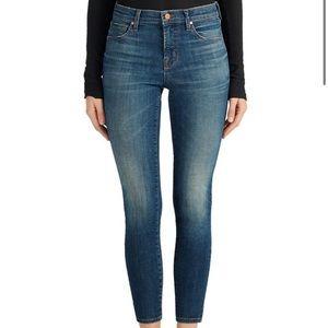 J BRAND SKYLIGHT Medium Wash Crop Midrise jeans